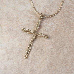 14k yellow gold crossB2-178