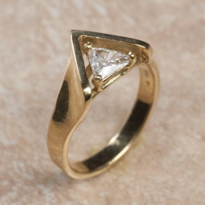 14k yellow gold diamondB6-205