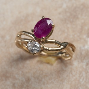 14k yellow gold ruby and diamondB6-211
